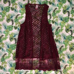 NWOT LACE VEST SWEATER SIZE SMALL